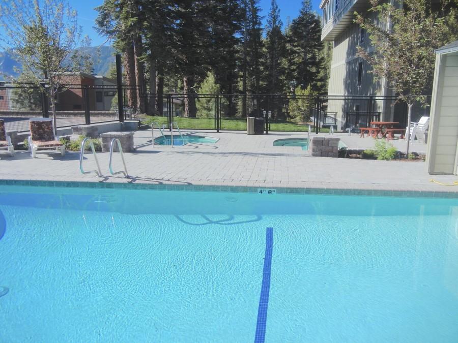 3 spas, heated pool and sauna