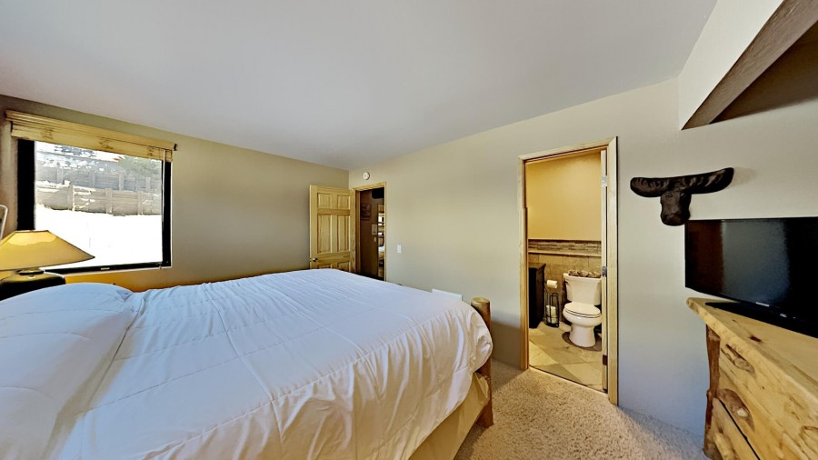 King Bedroom With Full Bath