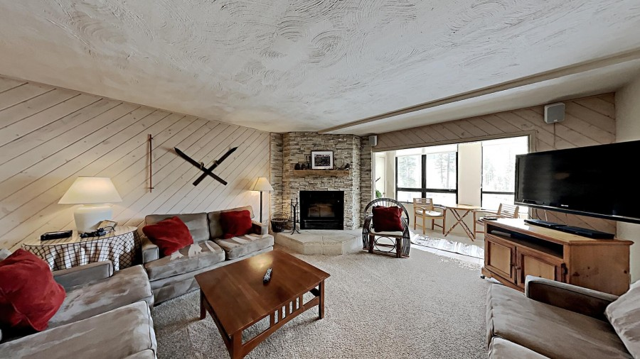View The Slopes From Cozy Living Room