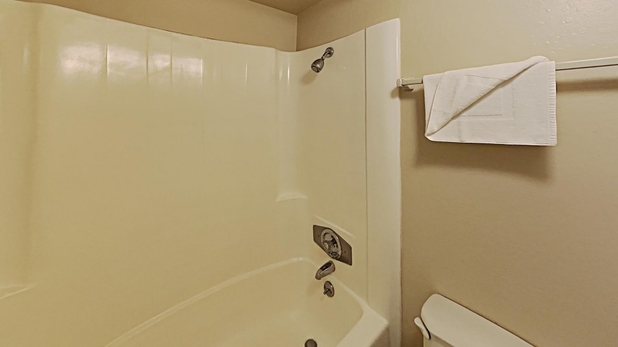 Shared Bath 1