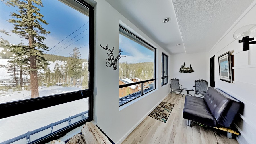 Sunroom Overlooking Mammoth Mountain