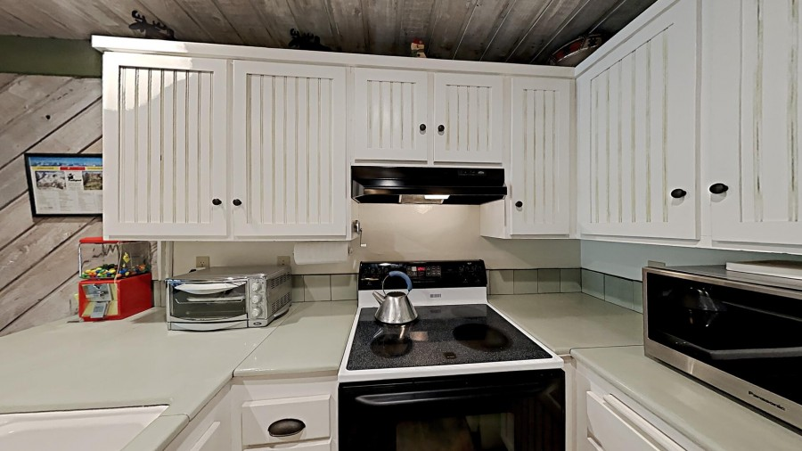 Full-Size Kitchen For Big Meals