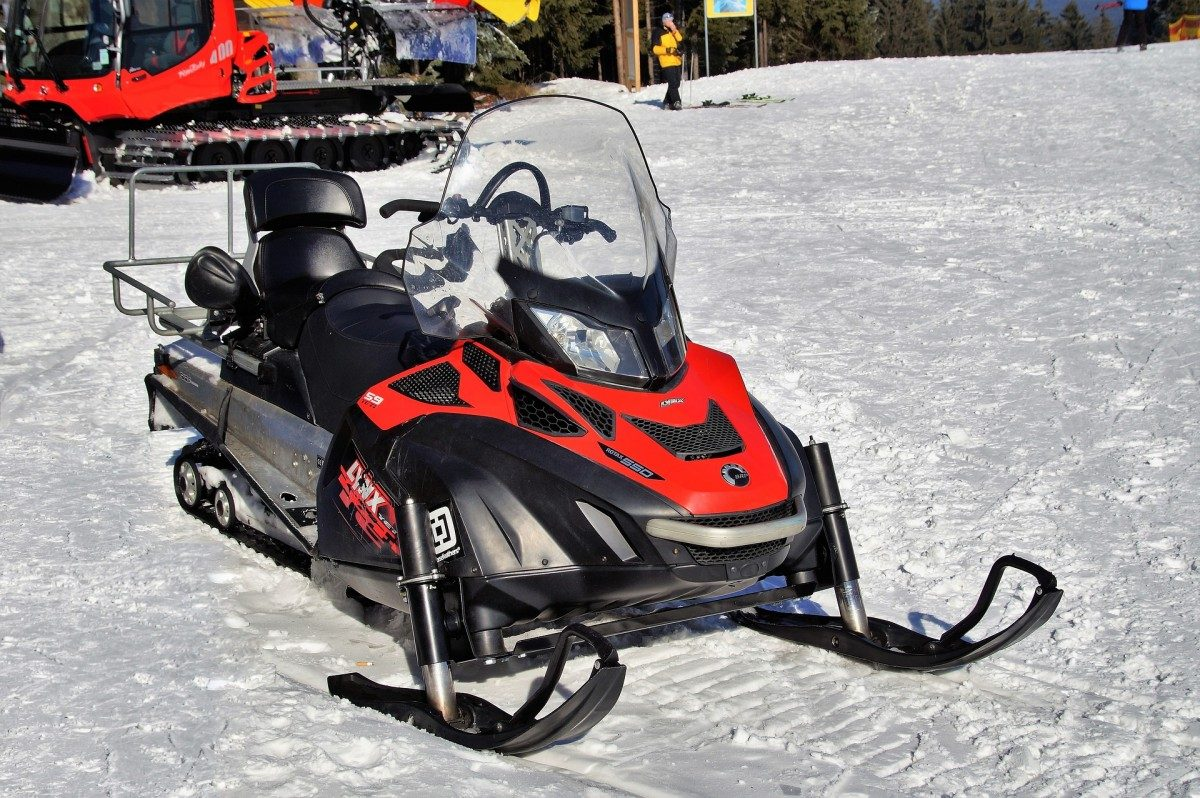 A Beginners Guide to Buying a Snowmobile || Mammoth Mountain || 1849 Condos