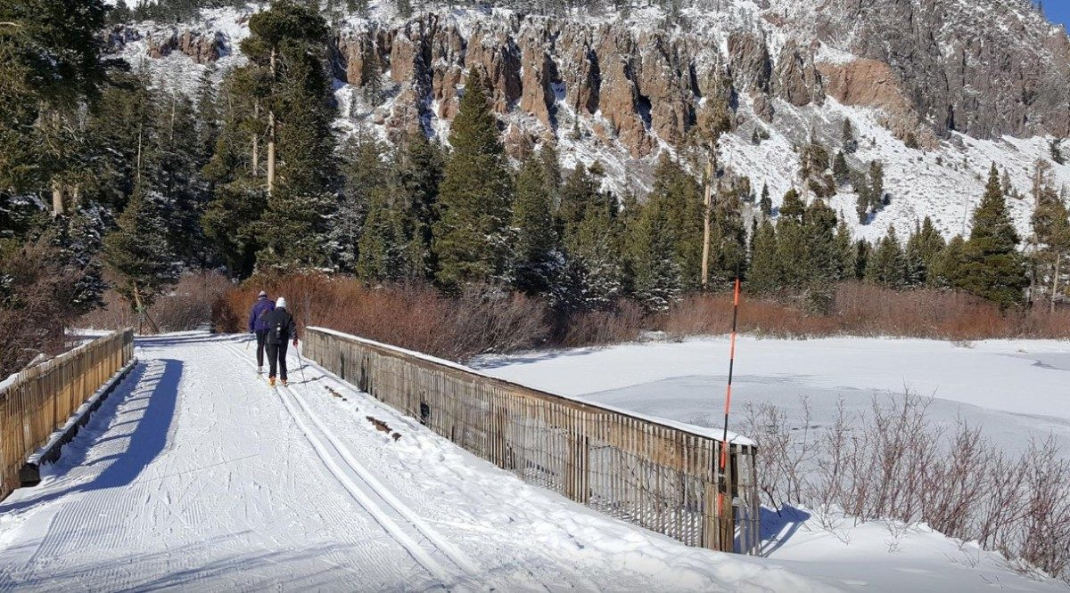 view of a cross country skiing trail at Mammoth Lakes