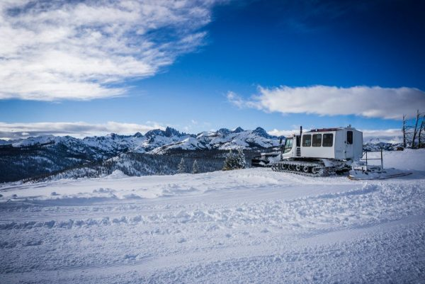 Snow Cat tours on Mammoth Mtn