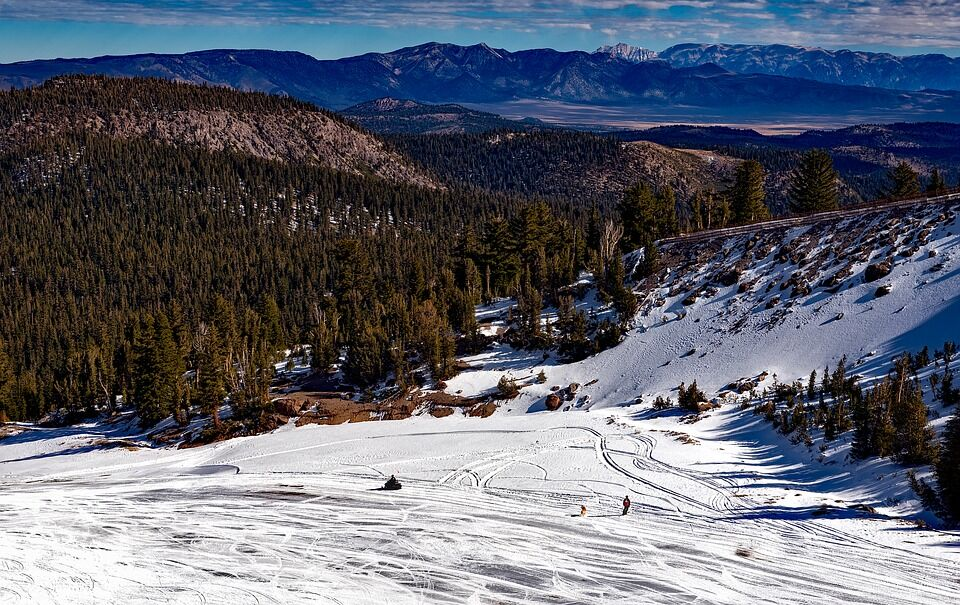 spring in mammoth lakes